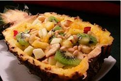 Салат из свинины с ананасом