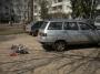 Машины на газонах и детских площадках