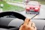 Реальные опасности курения и разговоров по телефону за рулем