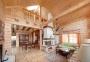 Надежный и уютный деревянный дом