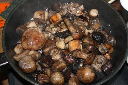 Рецепт салата с курицей и грибами и картофелем