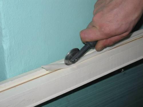 Чем утеплить деревянные окна своими руками