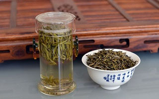 Этот чай очень долгое время, после того, как был открыт путь в китай, пользовался большой