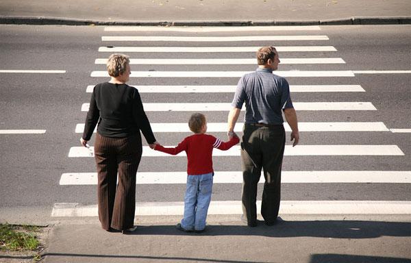 В Сморгони появился инновационный пешеходный переход