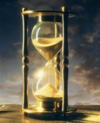 Песочные часы совсем не древние – То времени другое измерение…