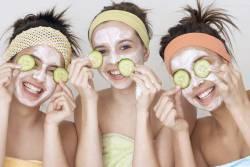 Как приготовить натуральные маски из картофеля, огурцов, меда и лимона
