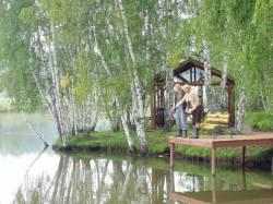 Преимущества рыбалки на платных прудах