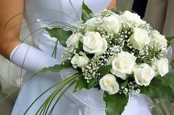 Букет невесты – очарование невинности и страсть огня