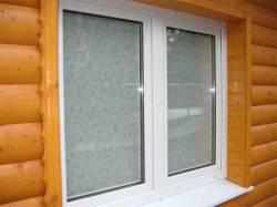 Пластиковое окно в деревянном доме: секреты установки