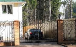 Кованные распашные автоматические ворота