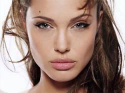 Рецепты красоты: косметическая хирургия и пилинг