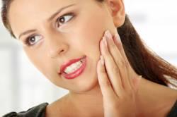 Опухла десна: возможные причины