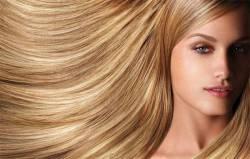 Красота длинных волос и густых ресниц