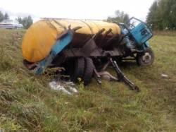 Из за технической неисправности автомобиля  произошло ДТП с опрокидованием.