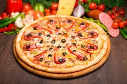 Bon Appetito вместе с итальянской пиццей!