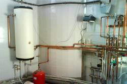 Как устроен аккумуляторный бак системы водоснабжения коттеджа
