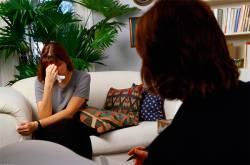 Стоит ли идти на консультацию к психологу?